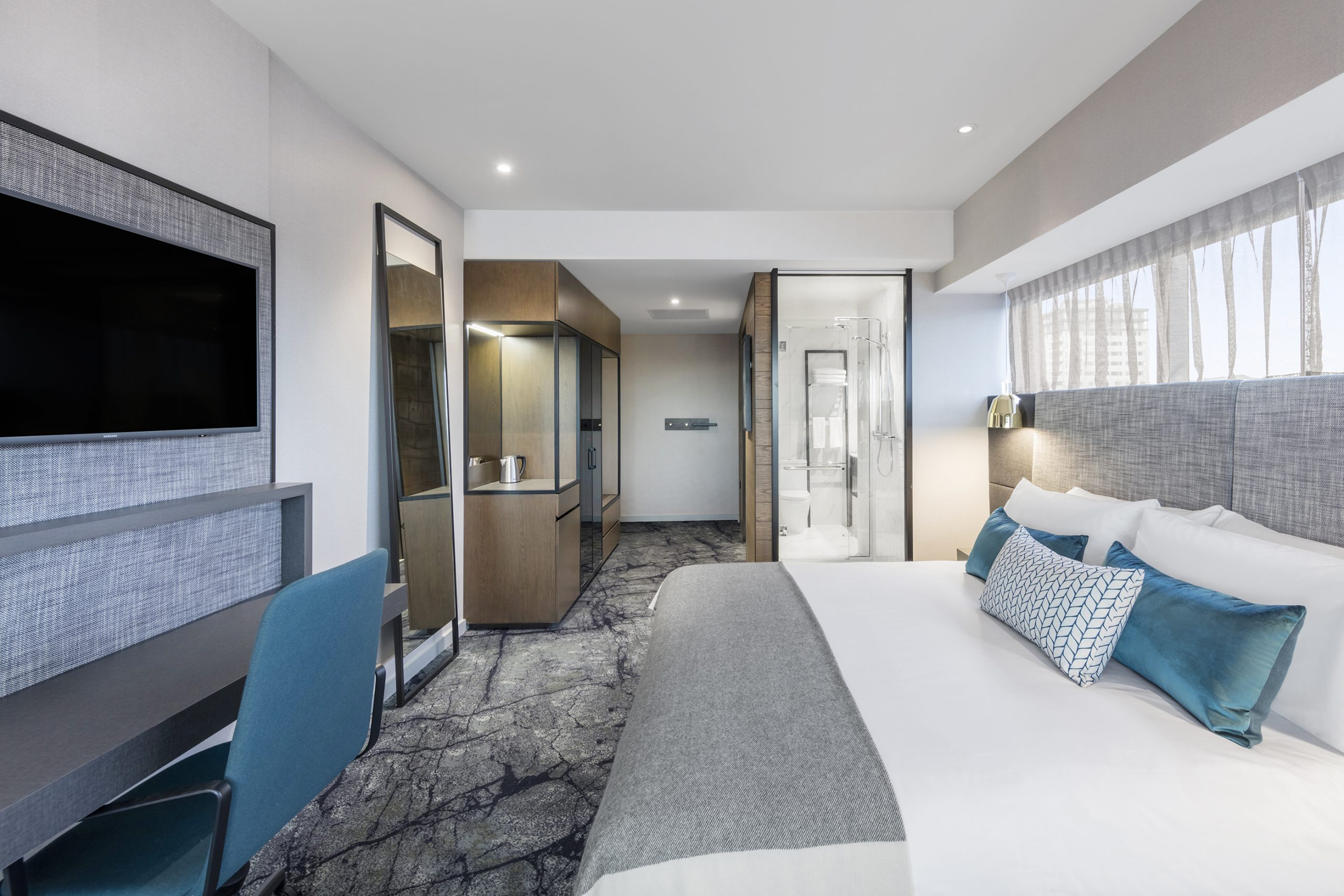 Modern and Stylist Bedroom and Bathroom at Crowne Plaza Christchurch Hotel & Accommodation
